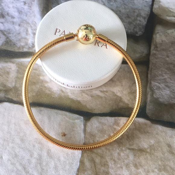 357c705e0d0c3 Pandora shine charm bracelet 925 sterling silver